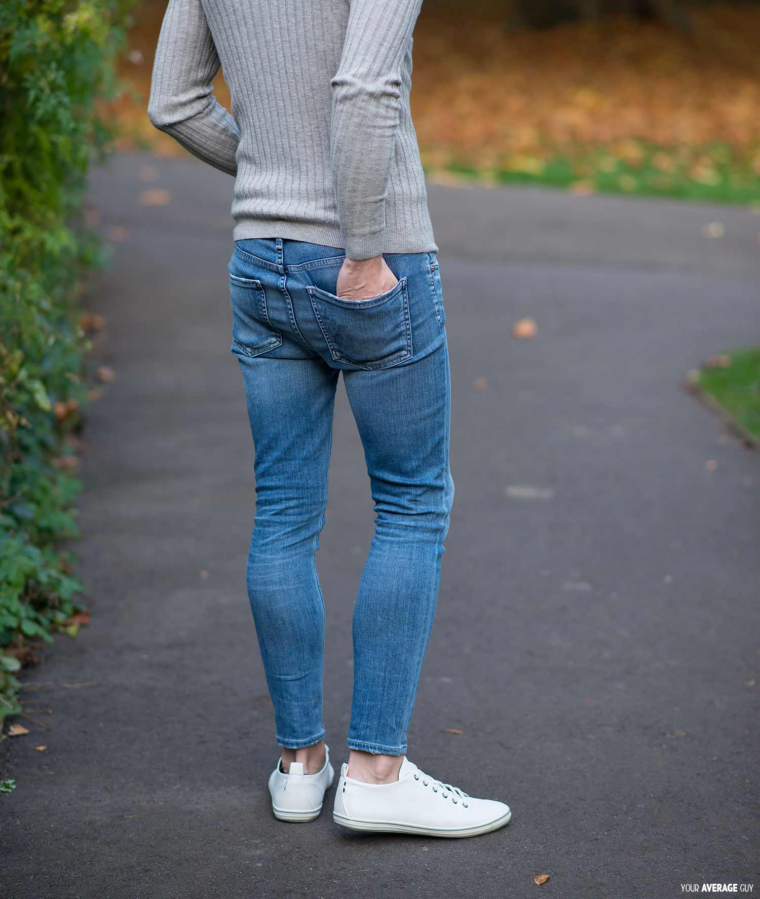 womens-skinny-jeans-on-a-man-tight