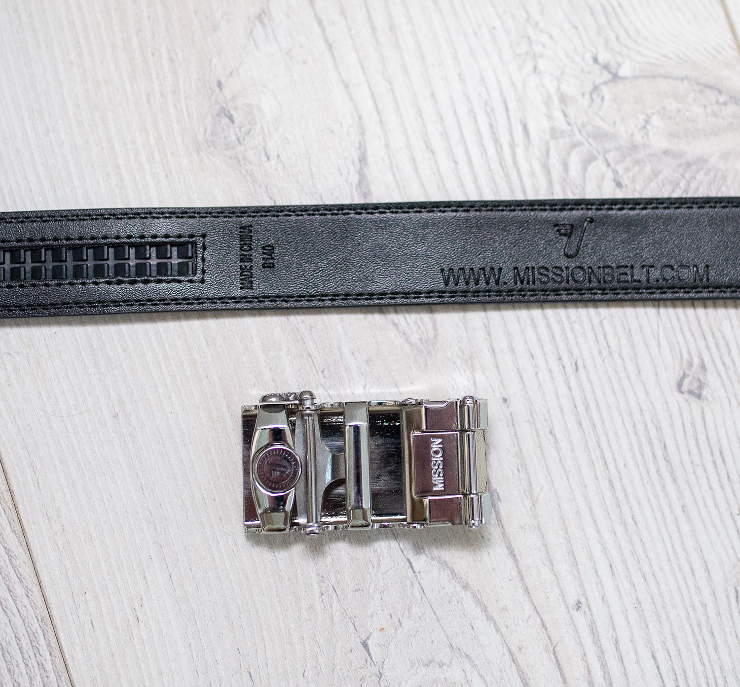 Track Belts Review Round Up Your Average Guy Kore essentials x3 buckle leather gun belt. your average guy
